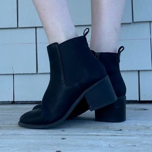 GAP Black Round Toe 2 Inch Heeled Ankle Boots